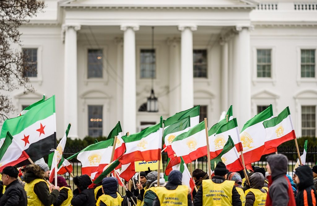 Artigo da investigadora Ghoncheh Tazmini   Rouhani Redux: Iran on the edge of change