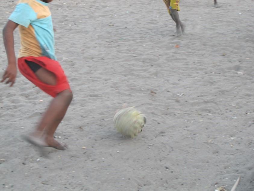 Pensar África: Sair da Guiné Bissau à boleia do futebol